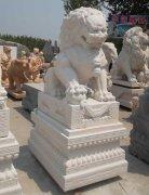 2015年最新汉白玉石雕狮子