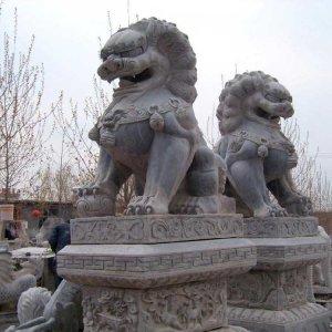 两尊高2米青石石狮子(图片)