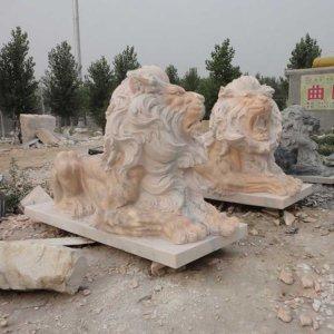 两尊长3米晚霞红石狮子(图片)