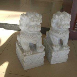 汉白玉墓地石狮子价格(图片)